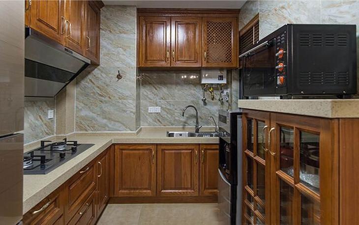田园风小厨房 实木橱柜效果图