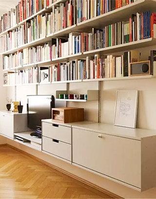 客厅木质电视背景墙收纳装饰