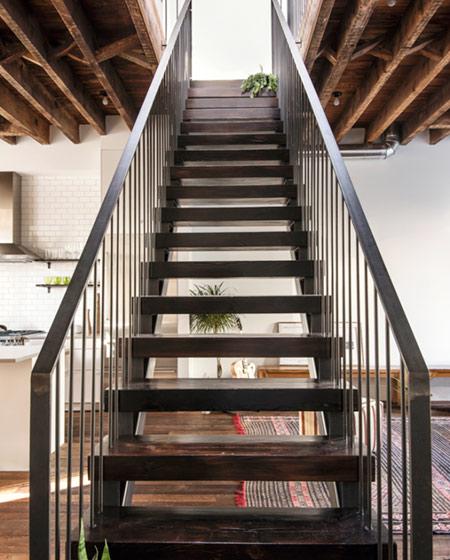 美式风格阁楼公寓楼梯效果图
