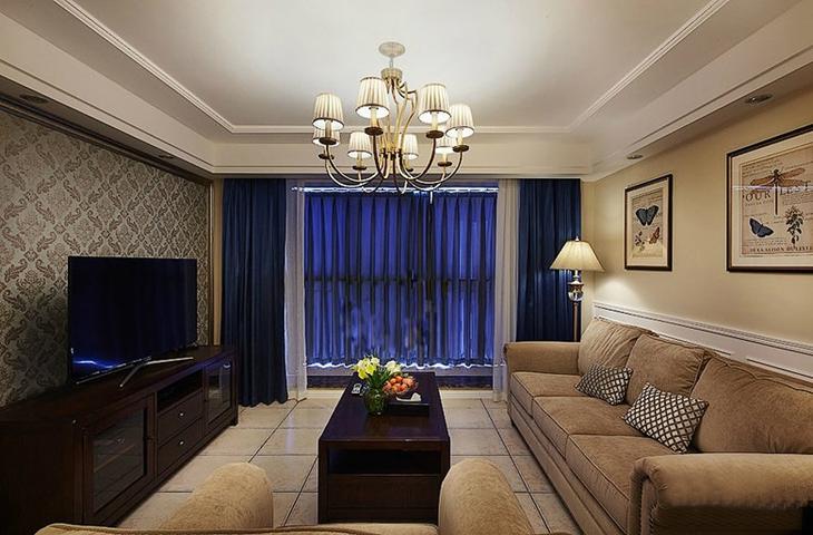 精致美式客厅蓝色窗帘效果图
