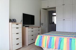 白色极简主义卧室局部效果图