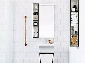 1.5平米卫生间装修效果图 墙面担起收纳重任
