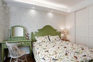 88㎡两居室卧室布置摆放图