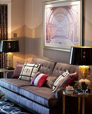 复古欧式沙发照片墙设计