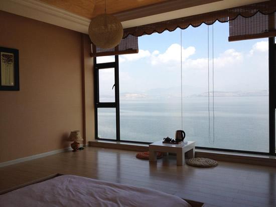 适用性:客厅,卧室,外带阳台,家居扩容,对景观要求高.图片