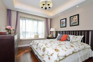 140平美式三居室卧室装潢图