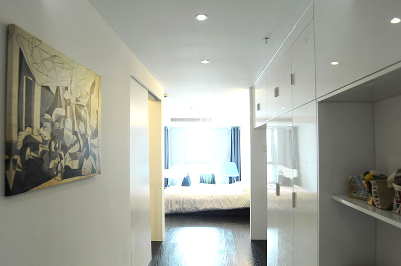 80平loft风格两居玄关装修图