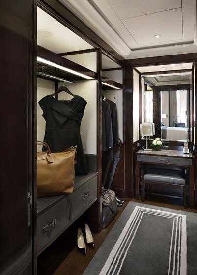 地中海风格卧室三层连体别墅别墅豪华步入式衣帽间设计图纸