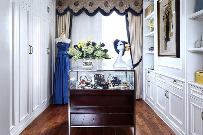 高贵法式新古典别墅衣帽间装修