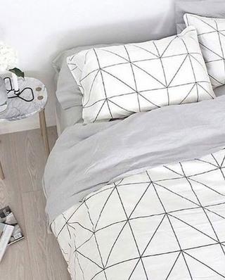 舒适北欧风格卧室几何床品图片