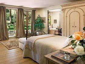 用睡眠触碰自然  10个卧室植物摆放图片