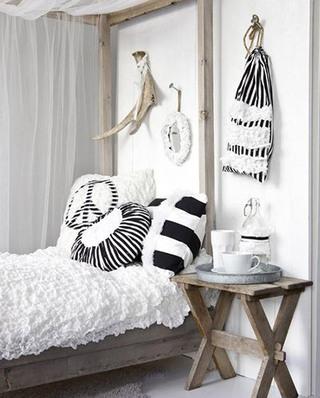 北欧卧室几何图案抱枕装饰图片