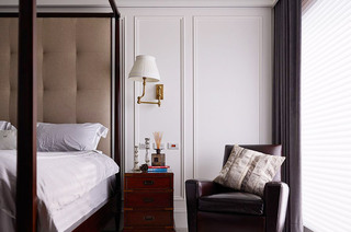 340平美式别墅卧室沙发图片