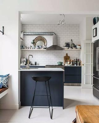 北欧工业风混搭 开放式厨房吧台设计