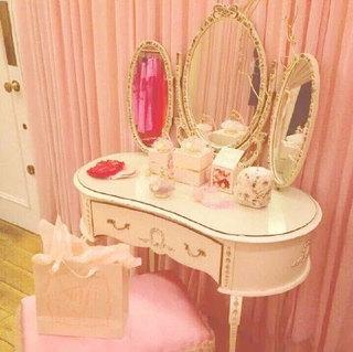 甜美系梳妆台设计装修图片