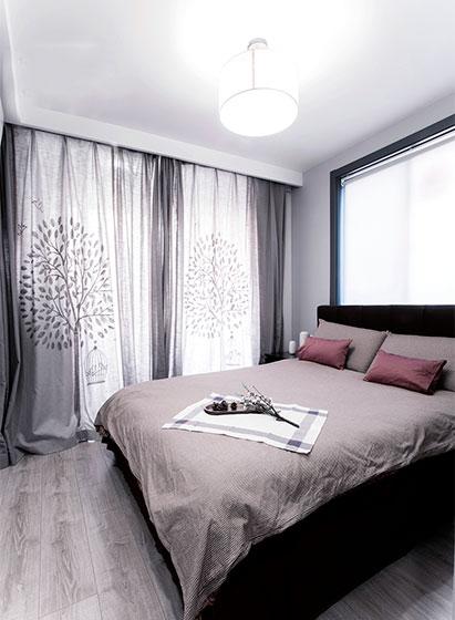 极简主义卧室 浪漫窗帘设计