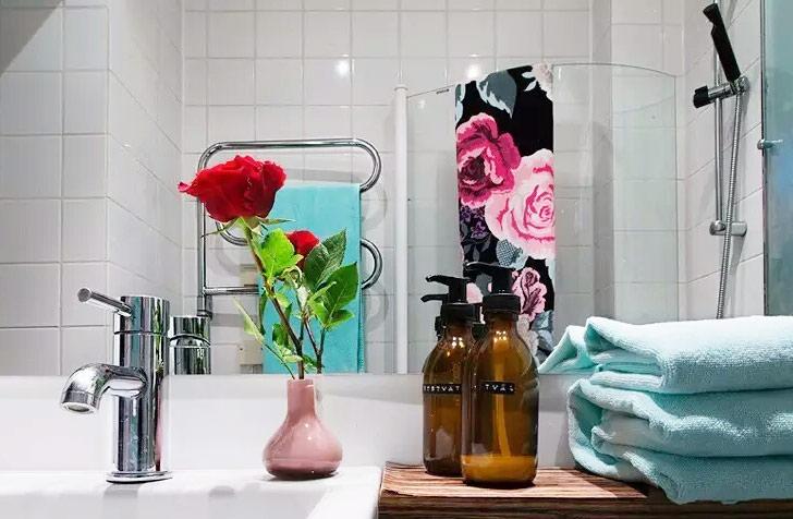 60平小公寓浴室台面收纳设计
