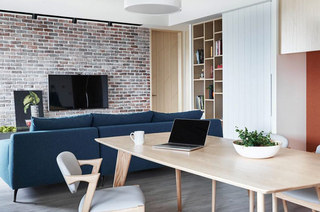 132平三居室餐厅装修图