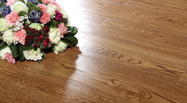 实木地板和实木复合地板哪个好    安装步骤哪个简单