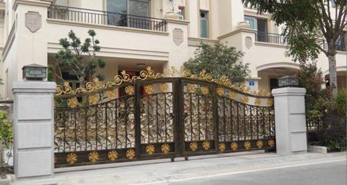 别墅庭院大门风水布局 提升家庭运势