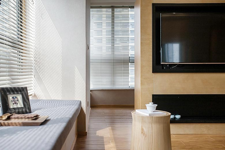 70㎡现代简约二居室设计摆放图