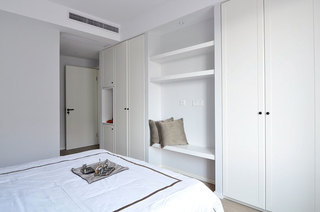 116平简约三居室卧室衣柜设计