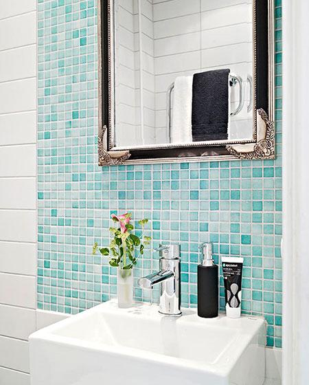 卫生间背景墙瓷砖装修