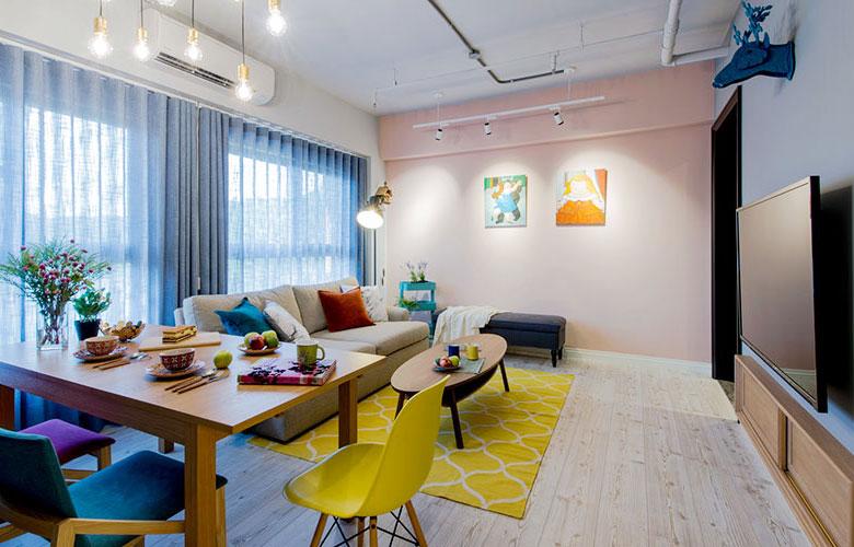 时尚混搭客厅淡粉背景墙设计