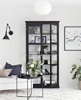 客厅玻璃橱柜收纳设计