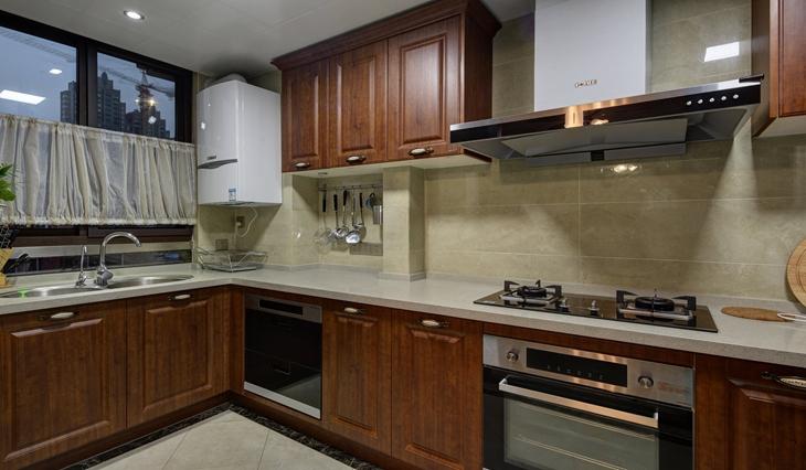 舒适的美式风格装修 轻松随意的空间感厨房设计