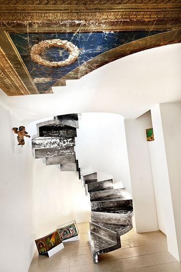 森系北欧风复式 自然石旋转楼梯设计