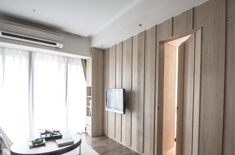 自然日式原木电视背景墙