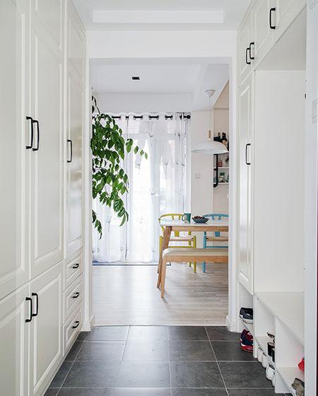 98平北欧三室两厅门厅装修图