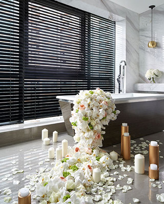 300平简约风别墅浴缸设计图片