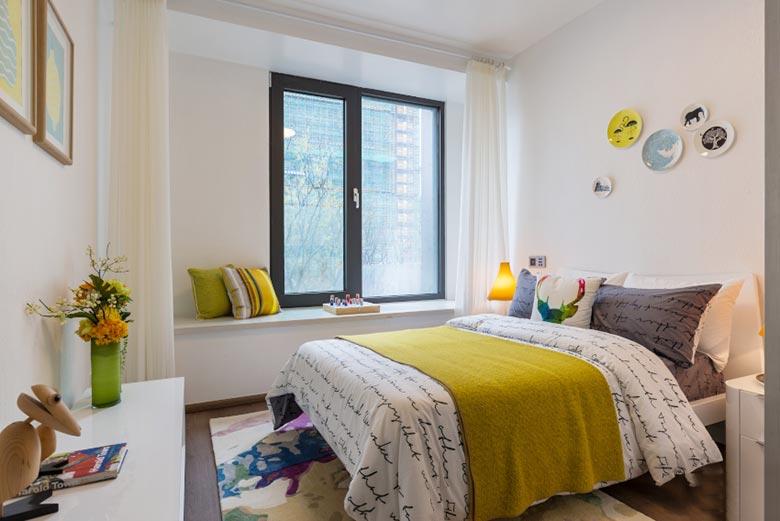 现代田园卧室飘窗设计