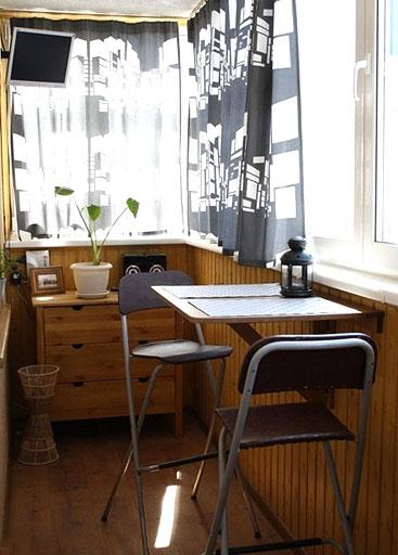 小户型餐厅折叠餐桌装饰图