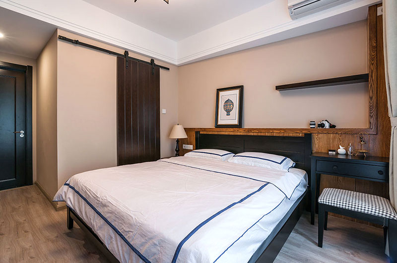 古典混搭卧室床头设计