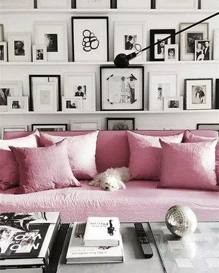 客厅粉色小型沙发图
