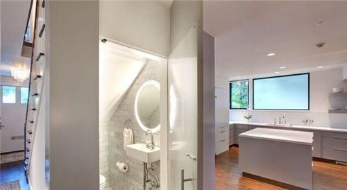 这么美的卫生间暗门装修效果图 你就放心大胆的做吧!