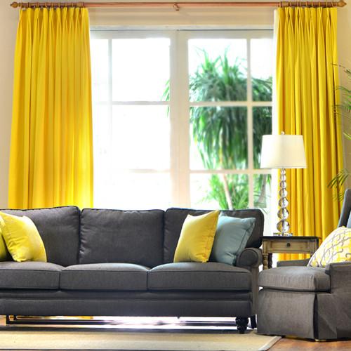 就是黄色的窗帘