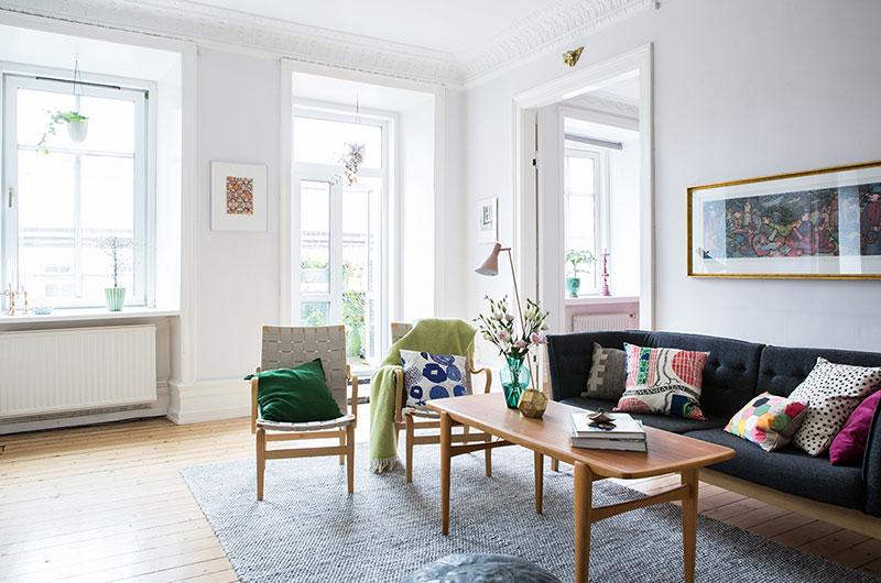 清爽北欧风情客厅 白色窗户设计