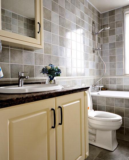 140平美式三居室卫生间装潢装修