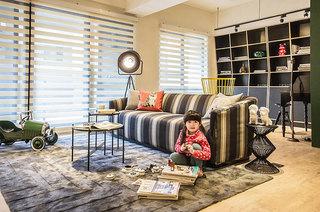 99平二居室装修沙发地毯设计图