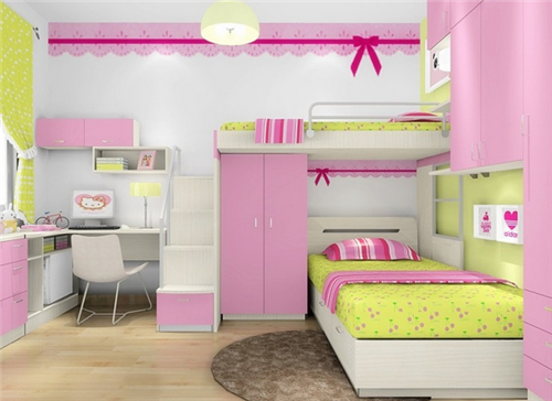 双层床的设计非常节省空间,上下床的楼梯也设计成了储物柜,可以摆放图片