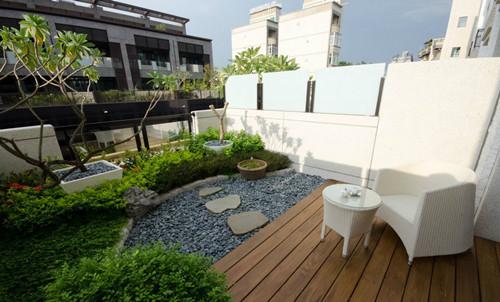 小露台装修效果图 实用美观的小露台