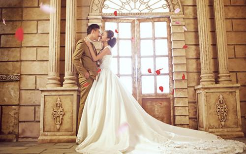 拍婚纱照选择婚纱影楼的注意事项