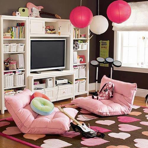 粉红色客厅布置图