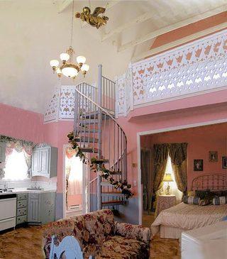 粉色系loft复式装修图