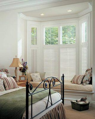 简约美式卧室飘窗图片
