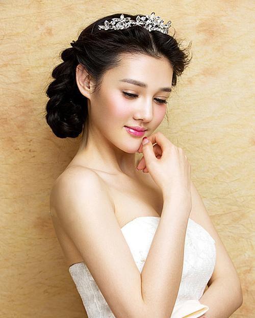 婚纱照头发造型有哪些 婚纱照发型图片_新娘造型_婚庆